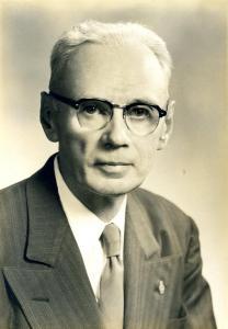 Dean M. Ewing (1944)